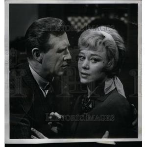 1963 Press Photo Actors Glynis Johns & Lloyd Bridges - RRX47519