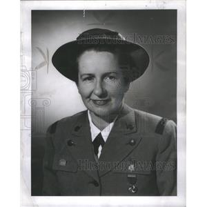 1952 Press Photo Mrs. Stanley E. Lawton Girls Scouts