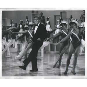 1956 Press Photo Jim Nabors Dancing On Stage With Scantily Clad Women