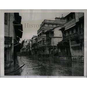 Press Photo Deserted Streets In Ahmedabad,India - RRX76875