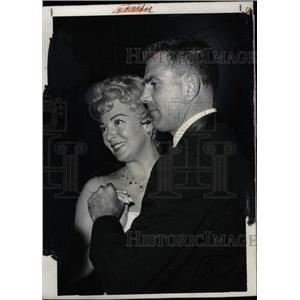 1959 Press Photo Lana Turner Businessman Fred May - RRW75657