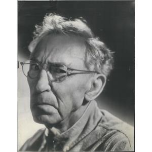 1943 Press Photo Tull Marshall Portrait With Glasses - RSC91439