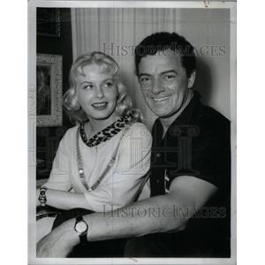 1961 Press Photo Cornel Wilde Actor Film Director - RRX57143