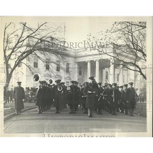 1930 Press Photo RU Army Band Members Serenade - RRX85391