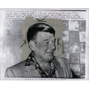 1959 Press Photo Arthur Godrey TV Star Cancer Left Lung - RRW02931