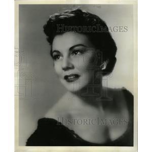 1961 Press Photo Lois Hunt, Julie Jordan in Carousel - RRW25973