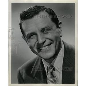 1958 Press Photo Warren Hull Actor TV Personality - RRW26029