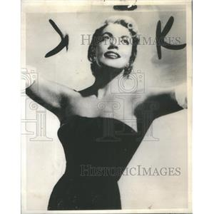 1964 Press Photo Nightclubbers Jennifer Marshall Empire Room Blue Angel