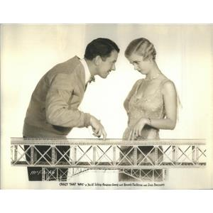 """1930 Press Photo Copy Kenneth MacKenna And Joan Bennet In """"Crazy That Way"""""""