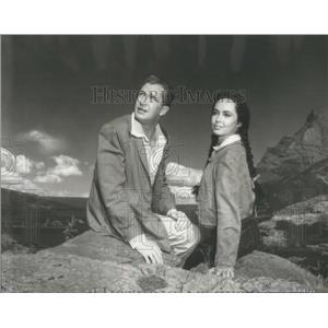 1954 Press Photo Vincent Price Actor Betta St John Actress Dangerous Mission