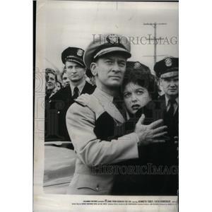 1955 Press Photo Actors Kenneth Tobey & Faith Domergue - RRX41189
