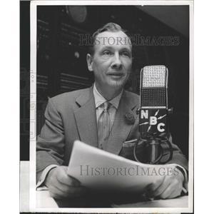 1958 Press Photo News Commentator John Cameron Swayze - RRW28107