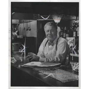 1959 Press Photo Jack Oakie Actor Passing Show - RRW36393