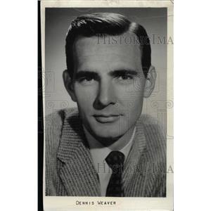 1961 Press Photo Actor Dennis Weaver - RRW75581