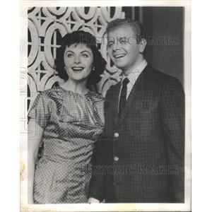 "1958 Press Photo Marilynn Lovell & Dick Roman: Singers on ""The Liberace Show"""