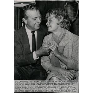 1962 Press Photo Actors Dick Powell & June Allyson Ring - RRW08961