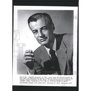 1956 Press Photo Shepperd Strudwick Actor - RRW32703