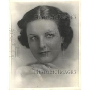 1936 Press Photo Marjorie ONeil America Lamoon Studio - RRX87347