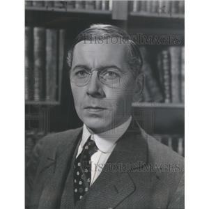 1944 Press Photo Alexander Knox Canadian Film Actor Author Adventure Novels