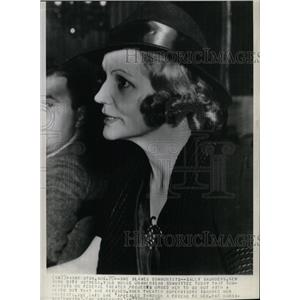 1938 Press Photo Sally Saunders, actress. - RRX71395
