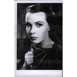 1957 Press Photo Claire Bloom Actress - RRW75659