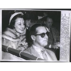 1954 Press Photo Andrea Leeds with husband Robert Howard at the races