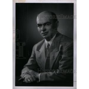1953 Press Photo Robert McCollum American voice actor - RRX40891