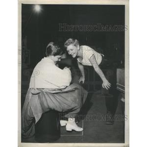 1955 Press Photo Actress Heller Halliday In The Sixth Of Our Teeth - RSC04661