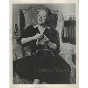 1955 Press Photo Actress Peggy Wood - RRW27865