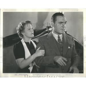 1936 Press Photo Beverly Roberts and Pat O'Brien (Actress/Actor) - RSC47617