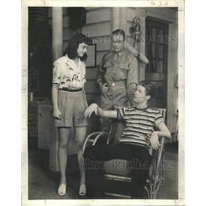 1943 Press Photo Patricia Kirkland Actress - RSC04889