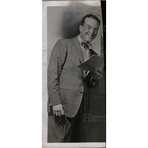 1954 Press Photo Alan Bunce film stage artist scene - RRW75449