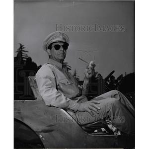1951 Press Photo Robert H Barrat Actor - RRW24967