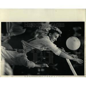 1986 Press Photo Sandy Scholtens Volleyball - RRW64891