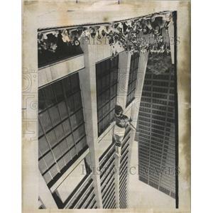 1975 Press Photo Trampoline Demonstration - RRW44519