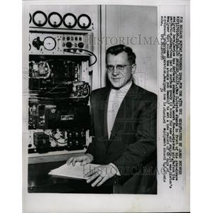 1958 Press Photo Atmosphere Analyzer - RRX64539