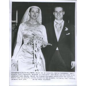 1956 Press Photo Mary Antonio Wayne Daughter Actor John Wayne Chicago Illinois