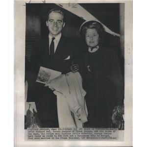 1949 Press Photo Actor Richard Ney and his bride Pauline Settle McMartin