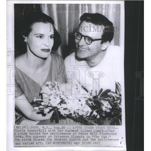 1956 Press Photo Storm Halts a Performance by Gloria Vanderbilt at Paper Mill