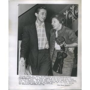 1954 Press Photo Actress Martha Raye Marriage Thomas J Begley - RSC90411