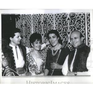 1967 Press Photo Actress Papas With Trio Kriss Holding Instruments - RSC99685