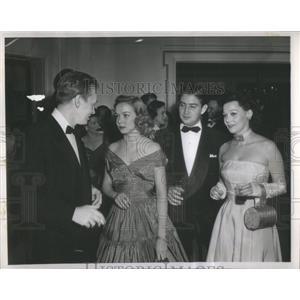 1948 Press Photo Actor John Lund, Diana Lynn, Marie and Bob Neal - RSC09385