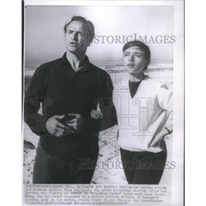 1958 Press Photo Actor Marlon Brando and leading lady Pina Pellicer - RSC96109