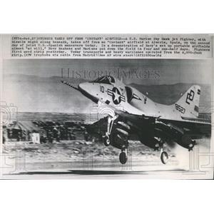 1964 Press Photo Instant Airfield/US Marine/Fighter Jet - RRX85405