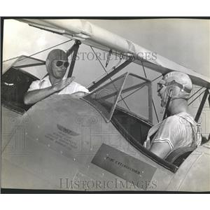 1942 Press Photo Pilots Otis Beard and Charlie Rees - RRX84805