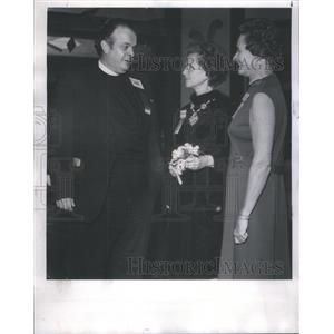 1968 Press Photo Rev. Robert Owen is Honored Guest of Champagne Party in Casino.