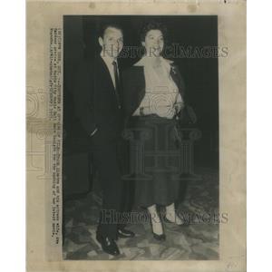 1953 Press Photo Frank Sinatra Wife Ava Gardner Arrive At Radio City Music Hall