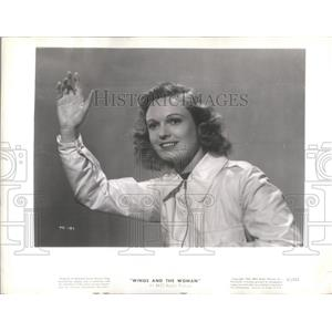 """1948 Press Photo Anne Neagle Waving In """"Wings and the Woman"""" - RSC46209"""