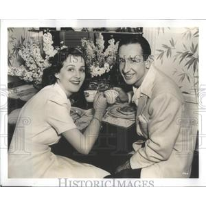 1939 Press Photo Constance Moore Johnny Maschio Beverly Hills Home - RSC83145