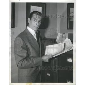 1954 Press Photo Reed Hadley Public Defender Role Actor - RSC77953